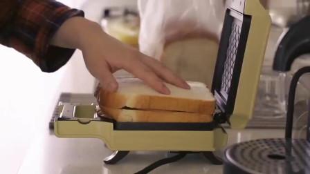 《韩国农村美食》清香美味的鸡蛋三明治,用华夫机加热一下酥脆好吃
