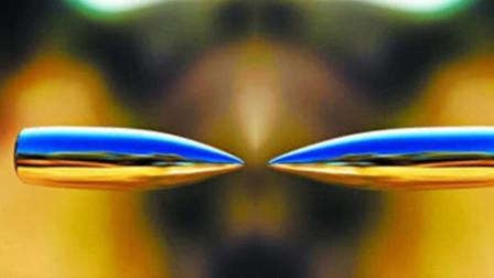 两颗子弹同时相撞会发生什么?老外作死测试,慢镜头记录全过程!