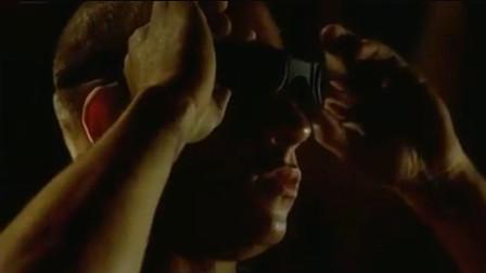 星际传奇:神秘怪物纠缠女子不放,瑞迪摘掉墨镜,怪物要遭殃了