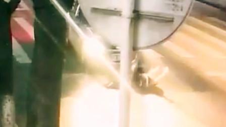 【重庆】轿车斑马线撞飞行人 司机找人顶包被民警识破