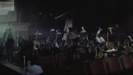 《新英雄本色》:香港女神邱淑贞, 深V皮裤, 惊艳动人!