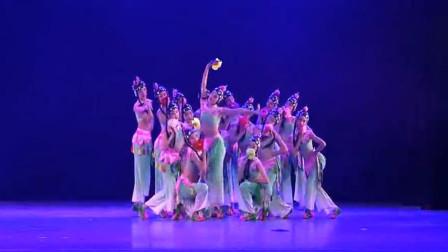 云舞裳丨舞蹈群舞《梨园小花旦》武汉市艺术学校 职业舞蹈大赛 戏曲舞蹈 看梨园小花旦们给您来一段