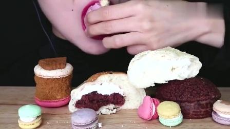 吃播小姐姐,吃播马卡龙,曲奇巧克力,奶油面包,发出的咀嚼声!