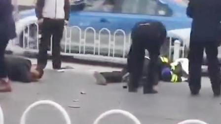 河南:焦作一摩托警车被撞!交警和电动车主均倒地不起