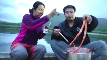 侣行的最贵晚餐:一箱帝王蟹,一条蟹腿就半米长,跟火腿一样