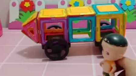 乔治做了一辆小汽车,要带佩奇出去旅游,大头把他们的汽车弄坏了