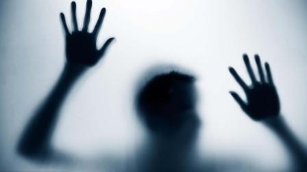 儿子窗外出现黑影,竟是被鬼怪缠身?法师做法驱鬼后恢复正常!