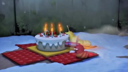爆笑虫子:俩虫子在圣诞节收到神秘蛋糕,怀疑自己的眼睛