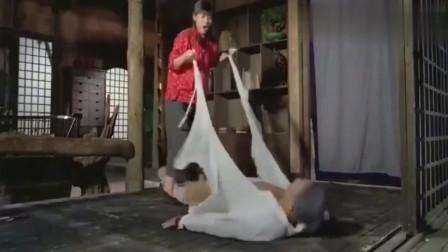 这部电影堪称经典,蜜桃女神李丽珍全程无替身,高难动作让人敬佩!