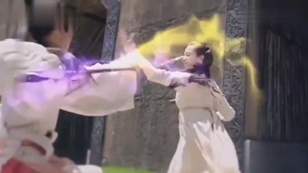 柜中美人:美女不仅武艺高,连神杖也很强,当场打飞两个美女!