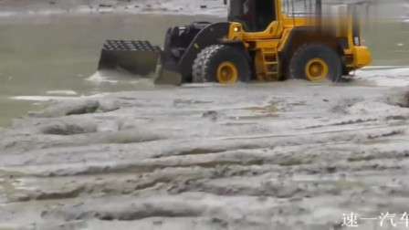 RC遥控车:装载机不秀一下, 都忘了自已会玩泥巴