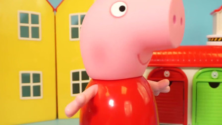 小猪佩奇去小企鹅Pororo 的冰淇淋商店玩具买甜点
