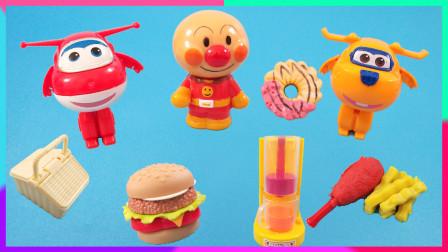 灵犀小乐园之美食小能手 面包超人快餐食玩店:超级飞侠乐迪送包裹
