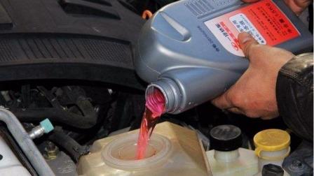 汽车水箱隔多长时间加一次水?