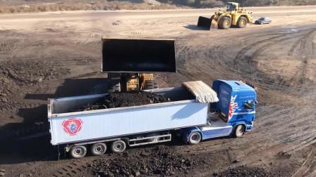 矿山实拍,推土机装载煤炭,放眼望去不知道什么时候能挖完