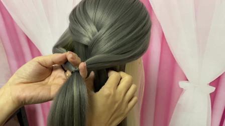 不需要任何发饰也很好看的一款造型,发量少的女人别错过