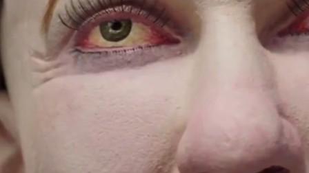 20年后的上班族模型:红眼驼背肤色蜡黄