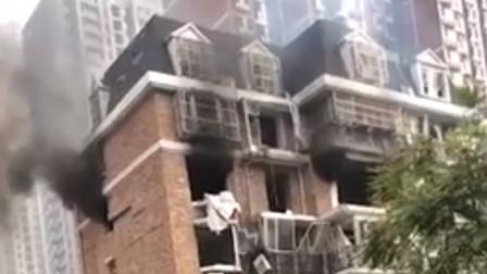 邯郸:小区燃气爆炸 现场碎片满地