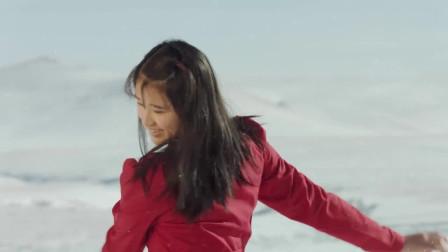 最美的青春:女孩执意要在大雪天拍照,还在雪中跳起了舞