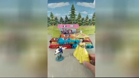 少儿亲子幼教:白雪公主帮王子收薯片