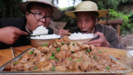 """95元买4斤肥肠,做一份红薯""""粉蒸肥肠"""",香糯可口,一次吃过瘾"""