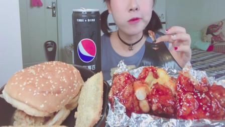 吃播大胃王:小姐姐大口吃炸鸡配上汉堡,一口下去满嘴流油看着都馋啊