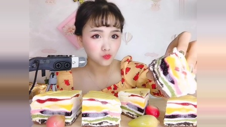 小姐姐声控千层蛋糕,一口咬下去,恕我直言,没有爆浆,差评!
