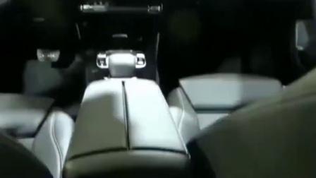 2019款奔驰CLA180轿跑亮相, 这样的内饰和奥迪A3比起来如何?