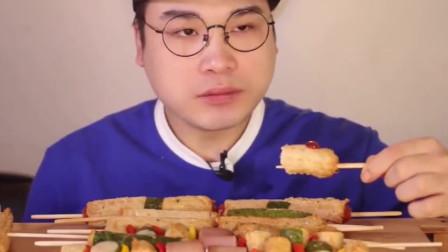 大胃王:胖哥吃多样的鱼丸串!Q软嫩滑,好看又好吃