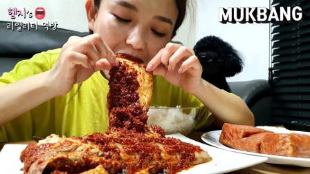 韩国美女吃播大胃王,吃超辣泡菜 , 罐头火腿, 煎鸡蛋, 炸酱方便面