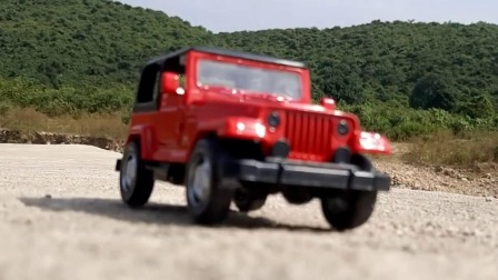 跟超漂亮的红色吉普车一起来场越野大冒险吧