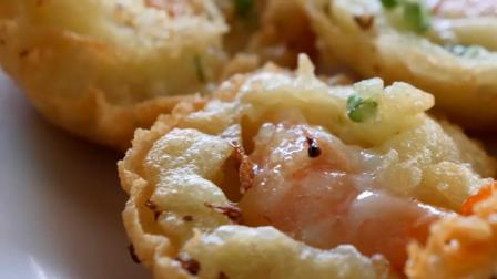 鲜虾饼最解馋的做法,葱花蛋液里放虾仁,金黄酥脆超好吃!