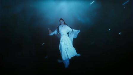 三生三世十里桃花:素素跳下诛仙台,眉间封印解除,涅槃重生