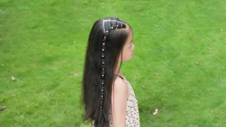 女儿头发长别给她剪掉了,这样绑个半扎发型,穿什么都好看
