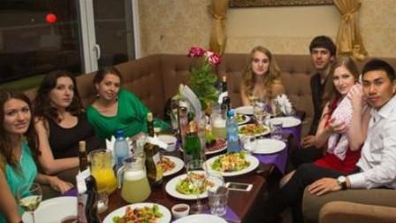 欧洲最穷国家乌克兰,当地美女逃离中国当模特?看完让人难以置信