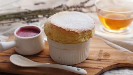 百吃不腻的舒芙蕾蛋糕,口感松软甜而不腻,看一次就会