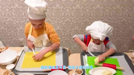 萌娃小可爱化身小厨师在做面包!小家伙真是调皮呀!萌娃:偷吃一点没人发现吧!