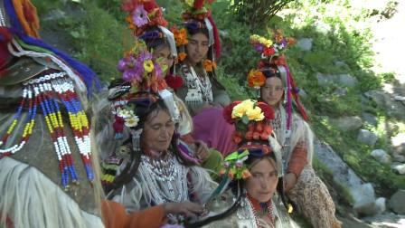 """喜马拉雅山的""""神秘部落"""",男女不需要结婚,繁衍方式特殊"""