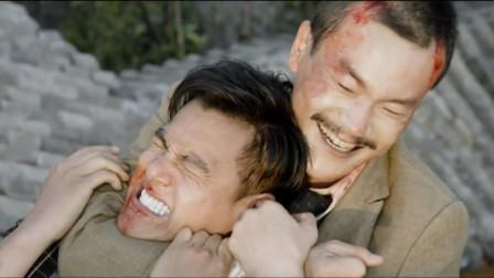 大师兄和日本人合伙杀了师傅,侥幸逃脱的师弟苦练武功为其报仇!
