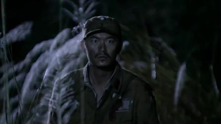 日本女人不甘被鬼子折磨,深夜偷走军刀切腹自尽,从此解脱!