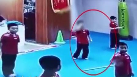 深圳一孩子学武术不认真,教练竟一棍子砸头,家长要求道歉遭拒