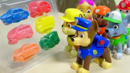 萌宝卡通玩具:小砾怎么拥有魔力还把橡皮泥变成阿奇她们的汽车