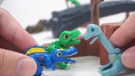 为把沧龙组装好小恐龙们智斗大嘴巴怪物