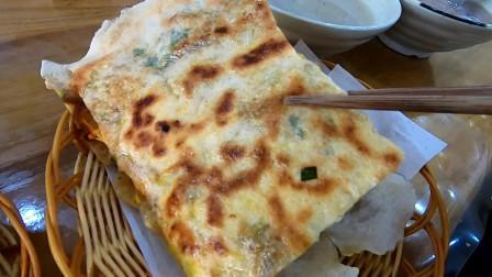 """今天去吃有""""中国热狗""""之称的枣庄菜煎饼"""