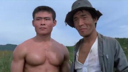小鬼子见识到了,我们中国功夫的厉害,飞身旋风踢腿太厉害