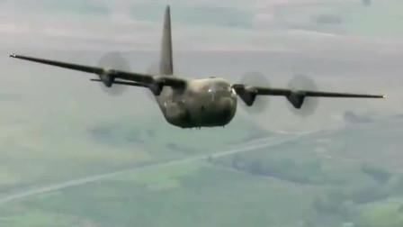 C130运输机山谷间低空穿梭飞行,好强的机动性