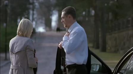 不良家庭:前妻去世,胡子叔独自去祭拜她,却在墓地见到了这小伙