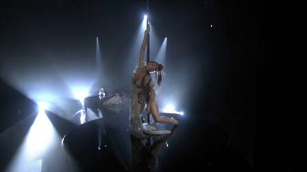 【猴姆独家】太美了!#FKA twigs#最新美国现场表演强势新单Cellophane