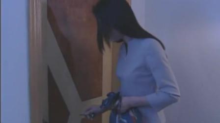 悲情丽人:少妇回家却意外撞见丈夫偷腥,这谁能扛得住!