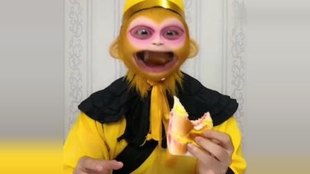 猴哥爱美食,今天吃草莓面包,小朋友你们爱吃面包吗